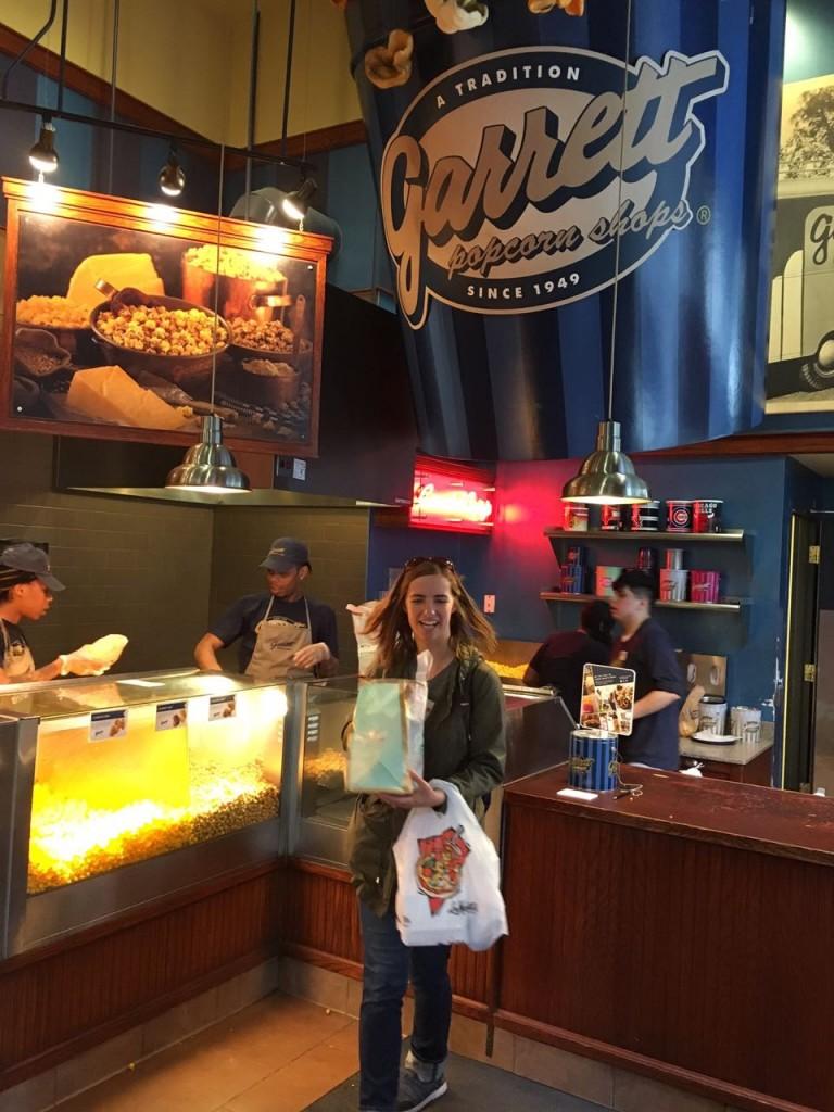 Guia do tour, Rachel, na Garrett